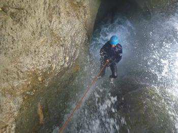 rappel dans le canyon de la pissarde vercors isere grenoble